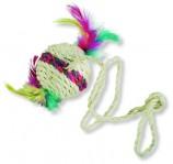 Мяч сезалевый с перьями, диам. 5 см